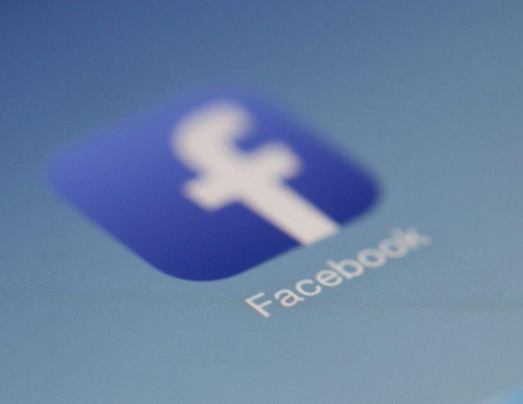 Commenti su Facebook per accrescere la popolarità sui social